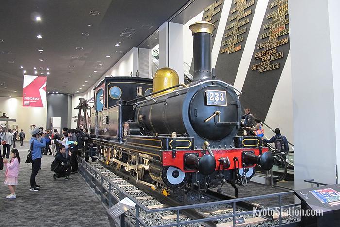 Una locomotiva a vapore classe 230. Questo è il più antico motore a vapore prodotto in serie in Giappone