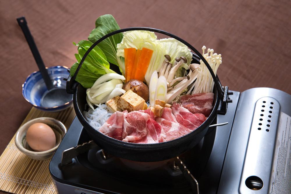 sukiyaki ricetta carne giapponese in pentola