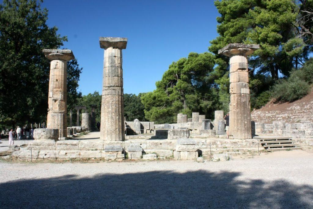 Resti del tempio di Era a Olympia